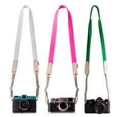 Functional and stylish, this cowhide camera strap by Toshiki is designed using only basic forms and materials.  http://zocko.it/LDwpz