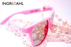 50s convertible 3D and sunglasses #pantherpink #ingridahl