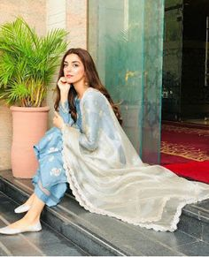 Indian outfit for this week Pakistani Fashion Casual, Pakistani Dresses Casual, Pakistani Dress Design, Indian Fashion, Dress Indian Style, Indian Dresses, Indian Outfits, Indian Attire, Indian Wear