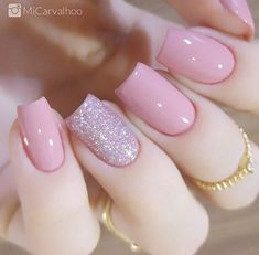 Glitter square nail art designs are very suitable for all seasons. The glitter on the nails attract everyone's attention. You can try to design it with glitter golden nails. Glitters can be used on one nail because it looks more fashionable. Perfect Nails, Gorgeous Nails, Pretty Nails, Beautiful Nail Art, Perfect Pink, Hair And Nails, My Nails, Nagellack Trends, Manicure E Pedicure