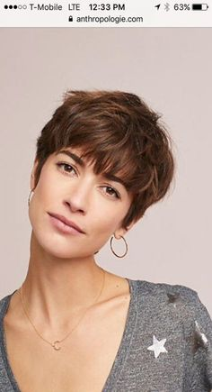 Modern Buzz-Cut - 20 Bold and Daring Takes on the Shaved Pixie Cut - The Trending Hairstyle Short Haircuts With Bangs, Pixie Cut With Bangs, Short Hair Cuts For Women, Short Bangs, Pixie Cuts, Haircut Short, Curly Short, Short Pixie, Short Cuts
