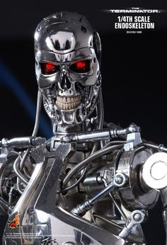 Hot Toys : The Terminator - Endoskeleton 1/4th scale Collectible Figure