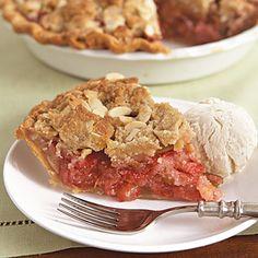 Strawberry-Rhubarb Crumble Pie #recipe