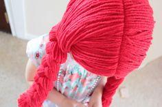 easy peasy lemon squeezy: Yarn Wig :: Tutorial (sewn with a zig zag stitch)