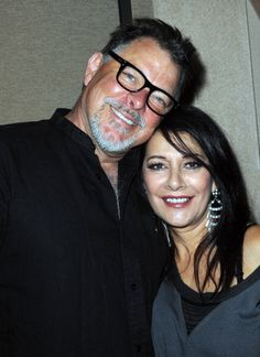 Marina Sirtis and Jonathan Frakes, my two favorite Star Trek people to have seen at a convention so far.