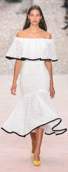 Carolina Herrera Spring-summer 2019 - Ready-to-Wear Couture Fashion, Runway Fashion, Fashion Outfits, Fashion Weeks, London Fashion, Carolina Herrera, White Fashion, Colorful Fashion, Lace Midi Dress