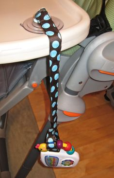Graco SimpleSwitch 2 in 1 High Chair and Booster Zooland For