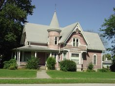 Probably one of the most photographed Victorian houses in Kentland, this interesting design is attributed to George F. Barber, a mail order architect based in Knoxville, IN. It has all of the characteristics of the Queen Anne style. The porch columns are not original but otherwise this house is a well preserved example of the style.
