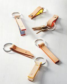des porte-clés originaux à faire soi-même en lanières de cuir