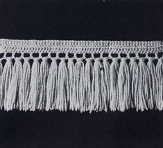 No. 1 Single Knot Fringe pattern from Stoles & Shrugs, originally published by American Thread Co, Book No. 103, in 1953.