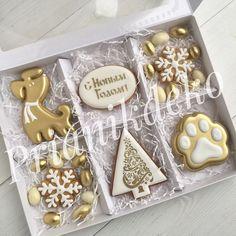 Christmas Biscuits, Christmas Sugar Cookies, Christmas Sweets, Noel Christmas, Holiday Cookies, Christmas Baking, Gingerbread Cookies, Fancy Cookies, Iced Cookies