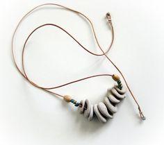 Naturstrand gebohrte Steine Kieselsteine Halskette - Strand-Schmuck