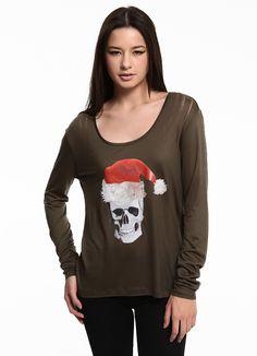 Ece Akhravi Matin Santa skull long sleeve slash bluz Markafoni'de 120,00 TL yerine 70,99 TL! Satın almak için: http://www.markafoni.com/product/3356883/