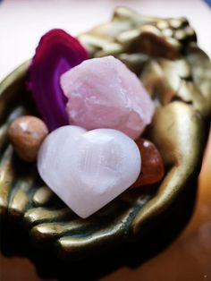 Crystal Healing Rose Quartz RePinned By: Live Wild Be Free www.livewildbefree.com Cruelty Free Lifestyle & Beauty Blog.