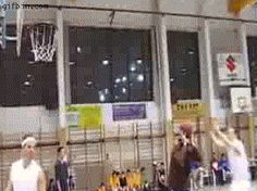 You wish your trick shots were as cool as this. | 10 Jaw-Dropping Victories Presented By GIFs