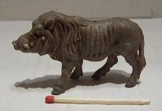 http://www.ebay.at/itm/DDR-Figur-Kunststoff-Wildtier-Zootier-Schwein-Warzenschwein-/361283055944?pt=LH_DefaultDomain_77