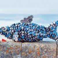 Upcycling for april! http://www.marieclaireidees.com/,un-poisson-en-capsules-de-bouteilles,2610153,56838.asp