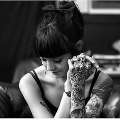 Image shared by HitmeLoveme. Find images and videos about black and white, tattoo and hannah snowdon on We Heart It - the app to get lost in what you love. Hannah Pixie Snowdon, We Heart It, Floral Thigh Tattoos, Indie, Chica Cool, Artists And Models, Cheap Wedding Dress, Inked Girls, Tattooed Girls
