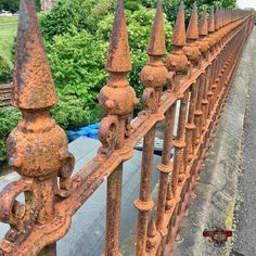 #rusty #fence #railings #WPH_18 #WPH_18_sceris #weeklyphotohunters #photohunt  #rustlord_texturaunique_ Photos from my travels