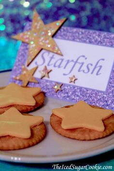 Mermaid Starfish Food Tent Cards And Snack Idea-DIY Mermaid Under The Sea Birthday Party Ideas Sea Party Food, Mermaid Party Food, Mermaid Theme Birthday, Little Mermaid Birthday, Little Mermaid Parties, Mermaid Diy, Ariel Party Food, Little Mermaid Food, Mermaid Crafts