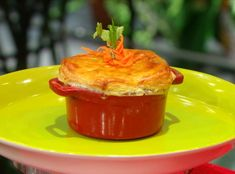 Walter Lewis' Caribbean Curry Chicken Pot Pie | Rachael Ray Show