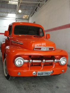 52 ford diesel Mais Ford Diesel, Classic Ford Trucks, Classic Cars, 1952 Ford Truck, F100, Rv Bus, Old Pickup Trucks, Panel Truck, Old Cars