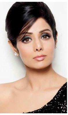15 The Best Sridevi Kapoor Looks You will Miss - Fazhion Beautiful Bollywood Actress, Beautiful Indian Actress, Indian Makeup And Beauty Blog, Hair Beauty, Indian Celebrities, Bollywood Celebrities, Bollywood Stars, India Beauty, Indian Actresses