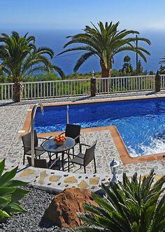 Garden design of Villa La Hoya, La Palma