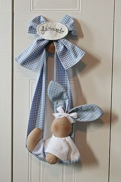 Handmade by me Designed by Un Mondo di Fantasia Baby Crafts, Felt Crafts, Easter Crafts, Fabric Crafts, Sewing Crafts, Diy And Crafts, Sewing Projects, Little Boy Blue, Personalized Baby Gifts