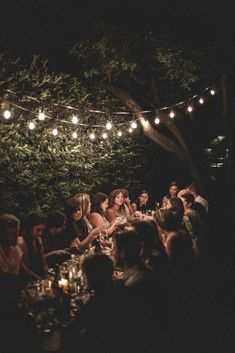 I recently had the privilege of launching a long table gathering, Secret Supper series here in Portland on July alongside Eva Kosmas Flores and Suzanne Fuocco ! The event was a massive success and I couldn't have asked for a more beautiful evening Samhain, Mabon, Pop Up Dinner, Dinner With Friends, Beltane, Al Fresco Dinner, Outdoor Dinner Parties, Deco Table, Backyard