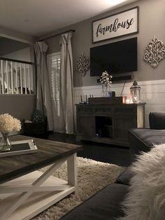 Gorgeous 35 Cozy Modern Farmhouse Living Room Decor Ideas https://homeylife.com/35-cozy-modern-farmhouse-living-room-decor-ideas/