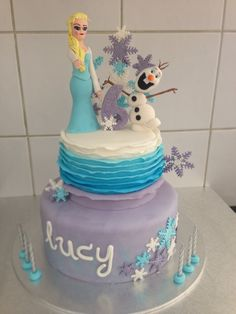 Frozen themed birthday cake for 6 year old girl