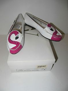 Flamingo shoes! Flamingo Shoes, Flamingo Outfit, Flamingo Gifts, Flamingo Party, Pink Flamingos, Pretty Birds, Pretty In Pink, Diy Clothes And Shoes, Girls Getaway