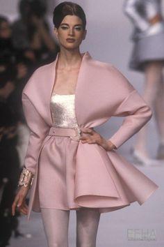Haute Couture Style, Couture Mode, Couture Fashion, Runway Fashion, Paris Fashion, Street Fashion, Top Fashion, High Fashion, Fashion Show