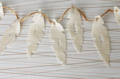 DIY: Mod Feathers Garland - thesoutherninstitute.com