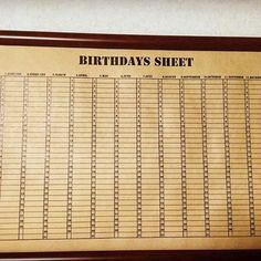披露宴会場の隅に置く予定のbirthdays sheet。年間カレンダーになってて、ゲストに自分の誕生日の日に名前を書いてもらおうと思います!これを新居に飾って、友達の誕生日に連絡とってみたりお祝いしたり・・今後もずっと大切な人たちと繋がってたいなぁと思って作りました♡ クラフト紙サイズはA3です。シートはエクセルで作成♪  #birthdays sheet #バースデーズシート #結婚式準備 #diy #手作り#プレ花嫁 #