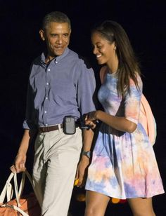 453765582-president-barack-obama-and-oldest-daughter-malia-return