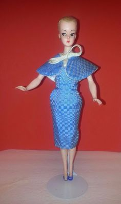 Vintage Bild Lilli / Barbie Clone Hong Kong Light Blonde W/ Vintage Outfit-