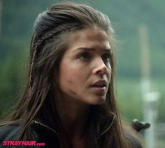 The 100 Marie Avgeropoulos  Octavia little side braid Hairstyle i love this hairstyle!