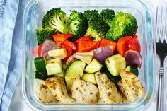 Eat Clean Meal Prep Made Simple: Roasted Chicken and Veggies! - Prep-ahead and make Clean Eating effortless with this Roasted Chicken and Veggies! This recipe will store for up to 5 days in the fridge and 2 months in the freezer :) Instructions: 2-3 chicken breasts, boneless skinless cut into ½ inch pieces (about 1lb.) 2 cups broccoli florets 1 red onion...