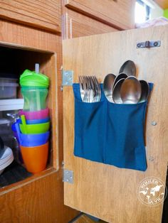 caravan renovation ideas 307441112044942141 - RV: storage of utensils for .,caravan renovation ideas 307441112044942141 - RV: storage of utensils for door interiors Source by margauxrullan. Rv Campers, Camper Trailers, Teardrop Campers, Rangement Pour Camping Car, Rangement Caravaning, Vw California T6, Astuces Camping-car, Camper Van Kitchen, Ford E250