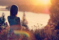 """Como uma Única: Diferente  Como uma Única  """"Porque eu sou feita de poesia!"""" Uma página escrita de alma e coração.  fan page https://www.facebook.com/ninaemika blog http://comoumaunica.blogspot.com.br Instagran @comoumaunica16"""
