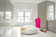 Ankleideraum gestalten - träumen Sie von einem Zimmer nur für Ihre Kleider  - http://wohnideenn.de/innendesign/10/ankleideraum-gestalten-kleider-zimmer.html  #Innendesign