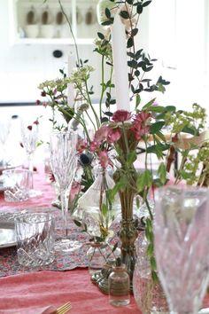 Midsommardukning Glass Vase, Table Decorations, Nature, Furniture, Design, Home Decor, Naturaleza, Decoration Home, Room Decor