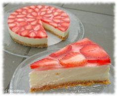 Vanilja-mansikkakakku Cheesecake Recipes, Dessert Recipes, Desserts, Charcuterie Board, Baked Goods, Sweet Recipes, Sweets, Snacks, Baking