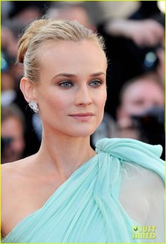 Diane Kruger in Giambattista Valli Couture