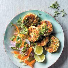 Thai Fish Cakes with Fennel Salad Food & Living E - Thai Fish Salad Roasted Lamb Shanks, Thai Fish Cakes, Coconut Fish, Fennel Salad, Slow Roast, Orange Salad, Fish Salad, Winter Salad, Baked Beans