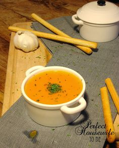Perfect Housewife - to be: Soep van zoete aardappel en paprika's