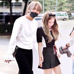 Kim Jennie, K Pop, Anime Girl Brown Hair, Park Jimin Cute, Bts Girl, Liza Soberano, Kpop Couples, Blackpink And Bts, Lisa