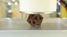 Crean una impresora 3D capaz de imprimir figuras de chocolate #impresion3D #3Dprinting #chocolate
